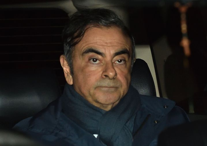 Ghosn with the wind: Der Ex-Autoboss hat sich in 007-Manier verdünnisiert.