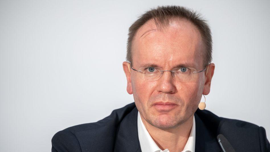 Bloß kein Blickkontakt: Markus Braun, 2019 als Wirecard-Chef auf der Bilanzpressekonferenz