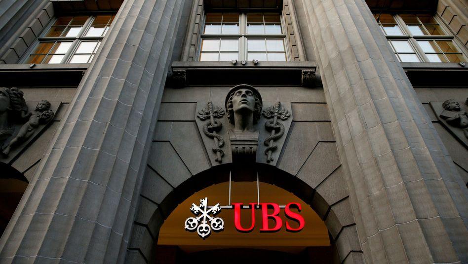 """Lebensversicherungen könnten für UBS ein """"interessantes Produkt"""" sein, sagt der Chef der UBS Schweiz"""