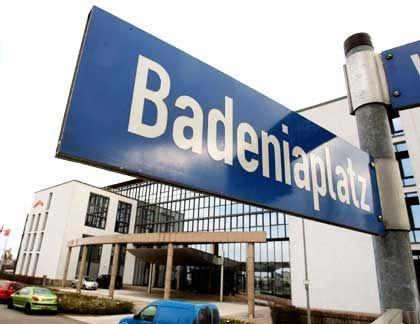 Aufschub: Im Prozess um Schrottimmobilien können Geschädigte vorerst nicht auf Schadenersatzzahlungen der Badenia rechnen.