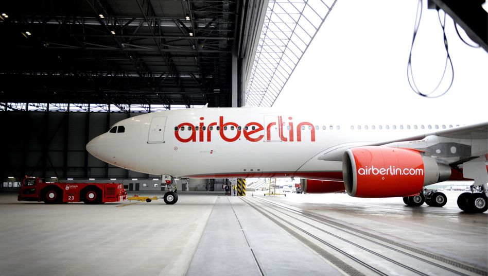"""Zurück in den Hangar: Air Berlin will im Rahmen des Sparprogramms """"Turbine"""" Flugzeuge verkaufen"""
