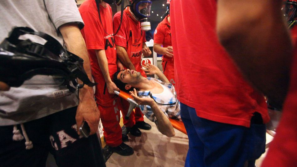 Istanbul. Verletzte bei der Räumung des Gezi-Parks