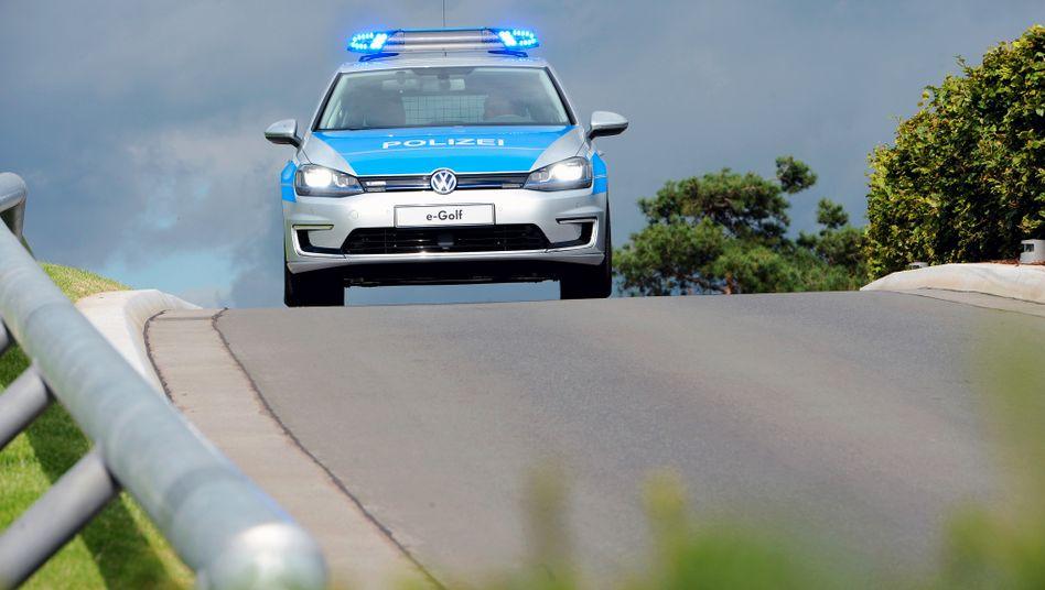 Auf der Insel Helgoland ist die Polizei mit dem Elektro-Golf unterwegs