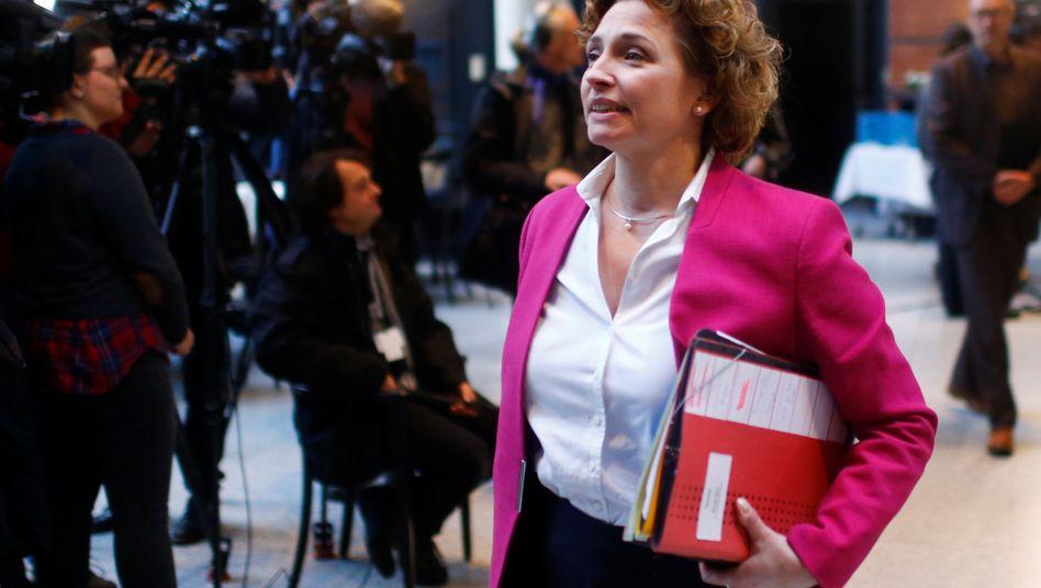 """FDP-Generalsekretärin Nicola Beer wirft VW-Chef Müller """"ungenierte Selbstbedienung zu Lasten der Dieselfahrer"""" vor"""