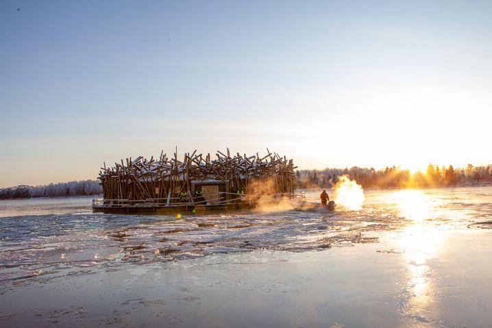 """Schwimmendes Wellnesshotel: """"Arctic Bath"""" im schwedischen Örtchen Harads"""
