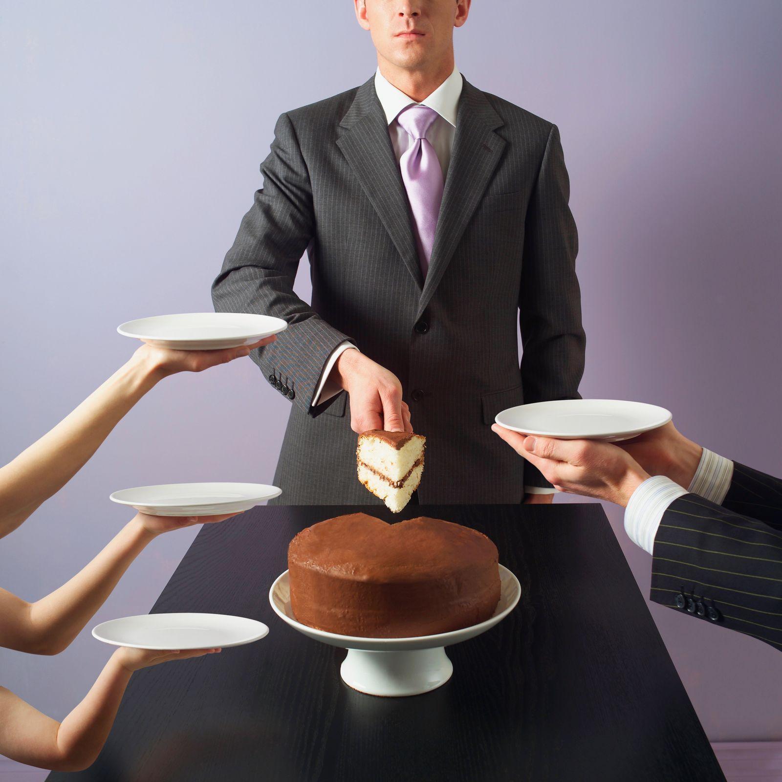 EINMALIGE VERWENDUNG Kuchen / Torte / verteilen
