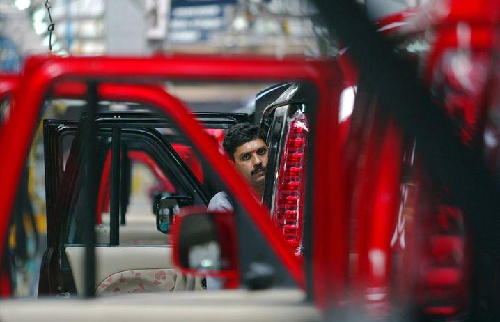 Rezession: Mechaniker beim indischen Autobauer Mahindra.