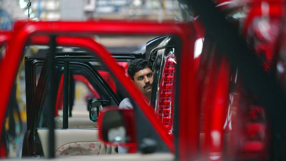 Mechaniker beim indischen Autobauer Mahindra