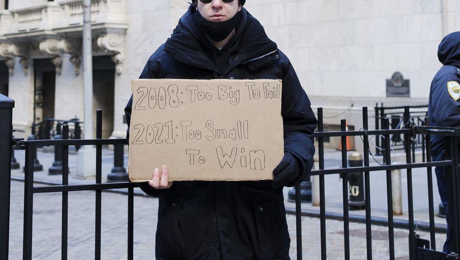 The Small Long statt The Big Short: Protest - nun auch in Person - vor der New Yorker Börse am Donnerstag