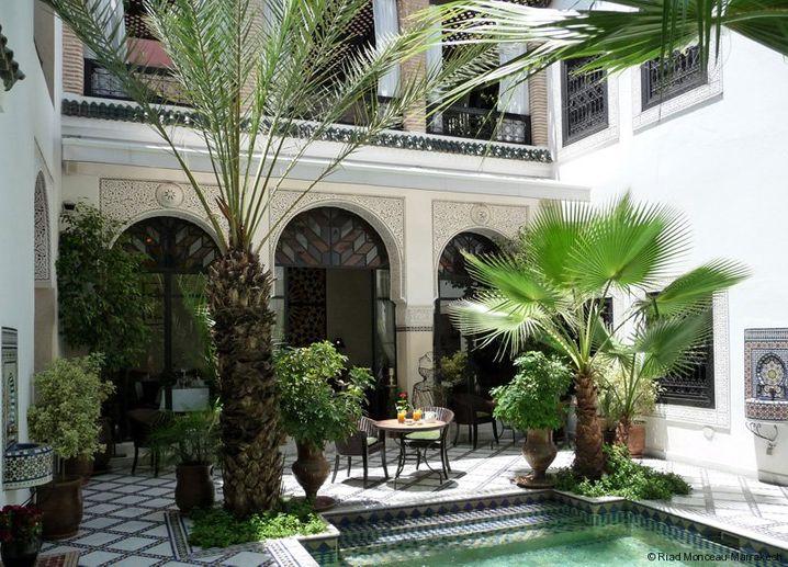 Badezimmer mit fünf Meter hohen Kuppeln: Riad Monceau