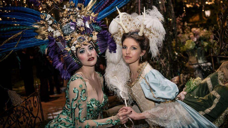 """""""Grand Bal Christian Dior"""" während der Modewoche in Paris: Bernard Arnault will Dior in den Luxuskonzern LVMH eingliedern"""