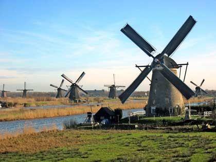 Land der Windmühlen: In den Niederlanden stehen mehr als 1000 der historischen Flügel-Gebäude