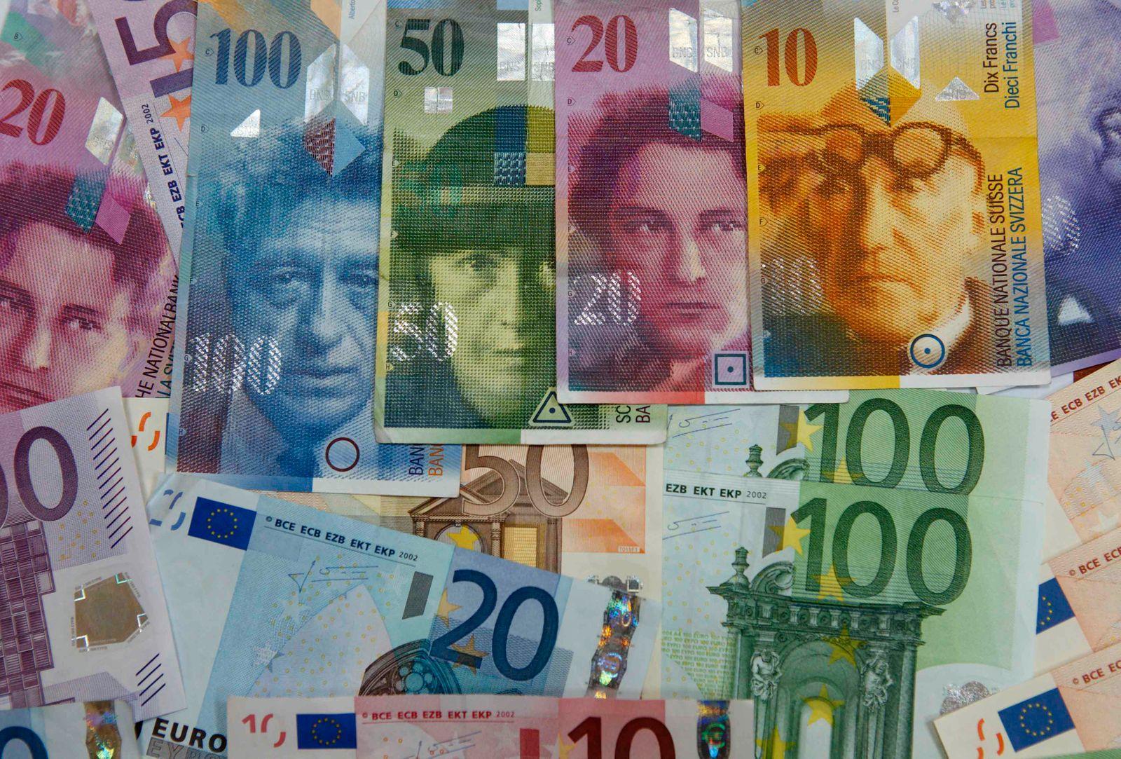 Schweizer Franken / Euro / Euroscheine / Geldscheine / Geld