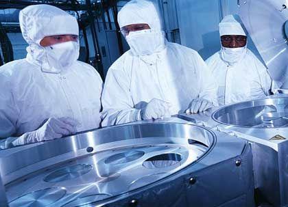 Mischkonzern: Waferproduktion bei Oerlikon