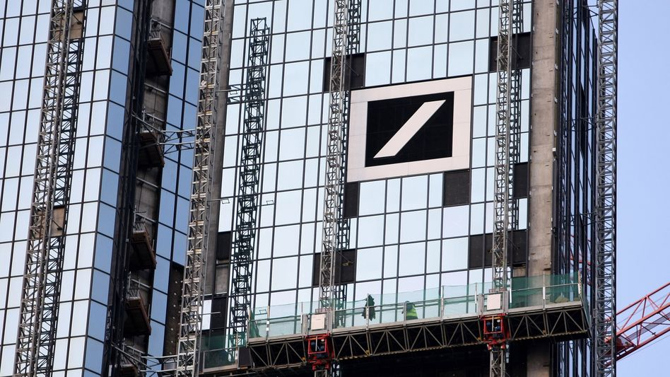 Ein Haus, viele IT-Systeme: In wenigen Jahren soll die Deutsche Bank nur noch mit einem Drittel der IT-Systeme funktionieren