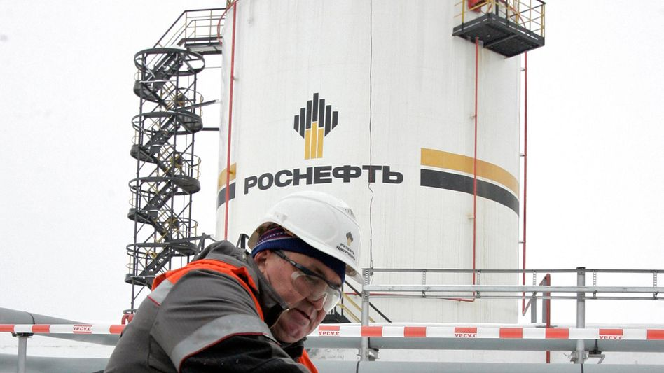 Rosneft-Mitarbeiter: Für den 50-Prozent-Anteil der Oligarchen soll Rosneft 21 Milliarden Euro zahlen