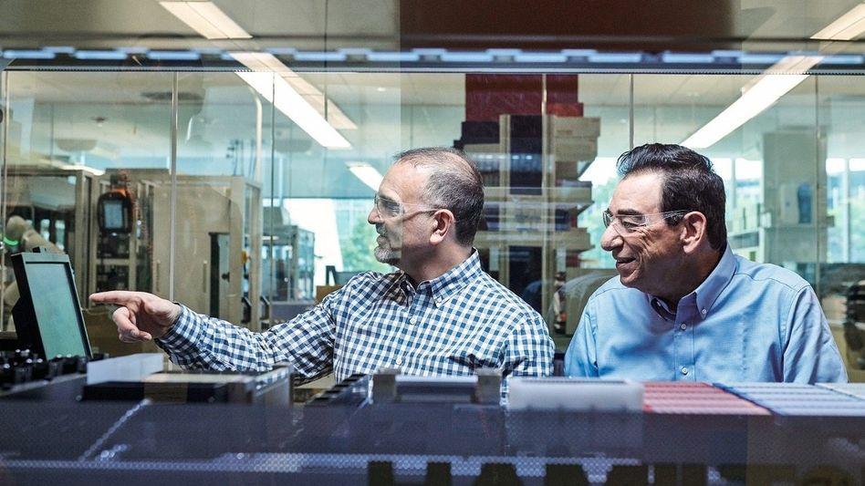 Väter des Erfolgs: Chefentwickler George Yancopoulos (l.) legte die technologische Basis. CEO Len Schleifer sorgte als gewiefter Dealmaker für die wirtschaftlichen Erfolge.
