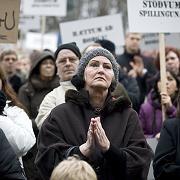 Hoffen auf Hilfe: Demonstration in Island