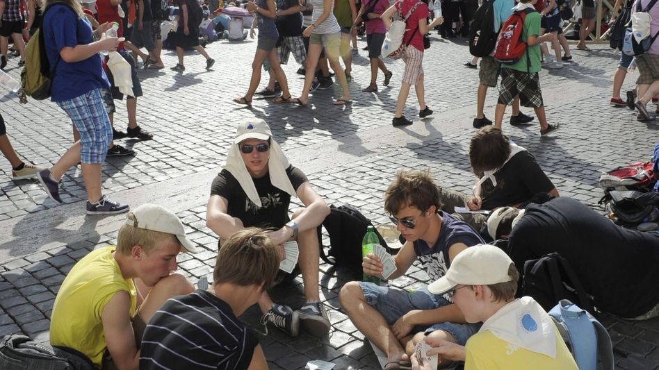 Touristen auf dem Petersplatz in Rom: Italiens Zentralbank betet wohl um einen glimpflichen Ausgang der aktuellen Schuldenkrise