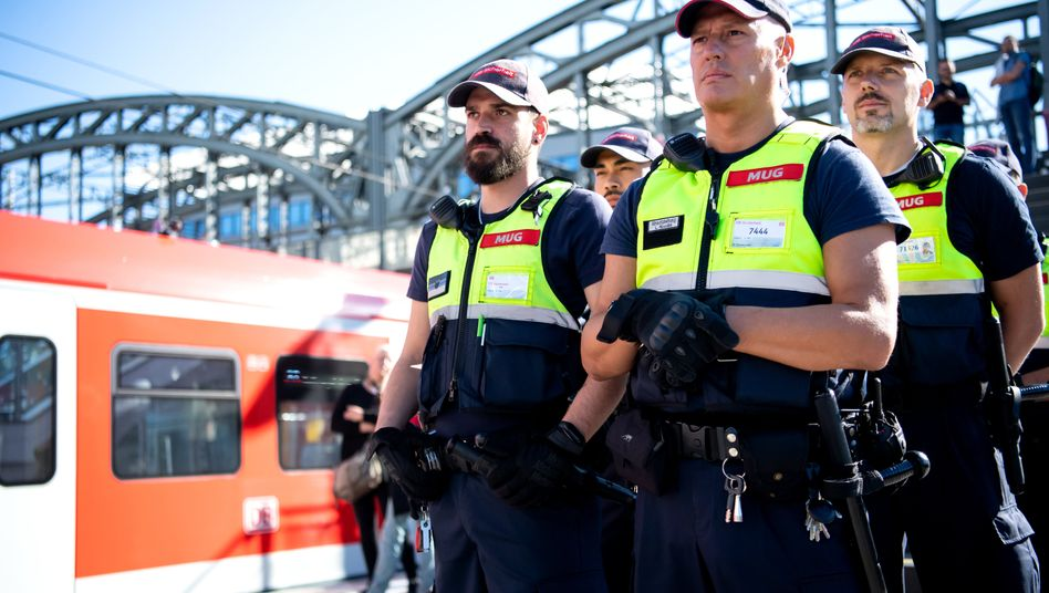 Sicherheitskräfte der Deutschen Bahn (Archivbild von 2019 aus München)