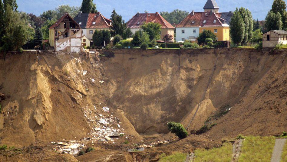 Erdrutsch in Nachterstedt (Salzlandkreis, 2009): Der Eindruck, die gesamte soziale Struktur sei ins Rutschen geraten, ist definitiv falsch