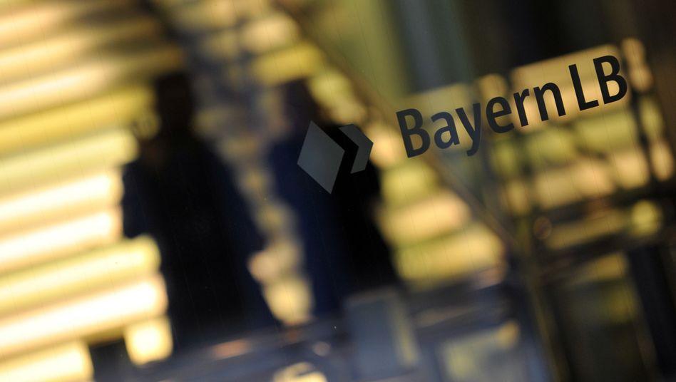 Firmenzentrale der BayernLB: Das Milliardendebakel um die frühere Tochter Hypo Group Alpe Adria hat jetzt juristische Folgen für die Ex-Vorstände