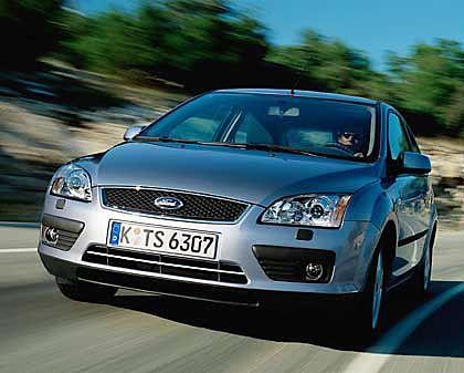 Ford Focus: Die Kölner bringen die neue Focus-Generation am 13. November in den deutschen Markt. Der Einstiegspreis liegt bei 14.375 Euro. Mit dem Focus will Ford im Revier von Astra und Golf wildern.