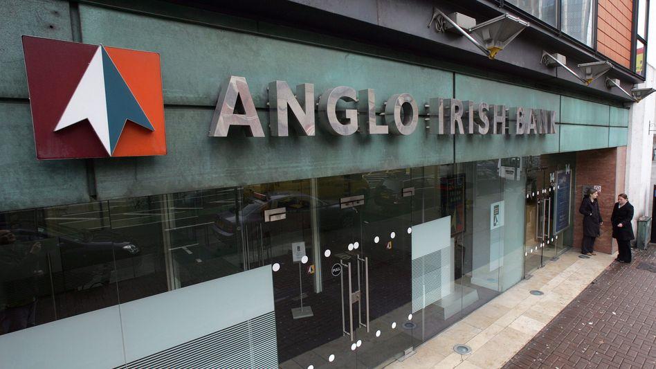 Filiale der Anglo Irish Bank in Belfast: Ehemalige Spitzenbanker des Instituts im Zwielicht
