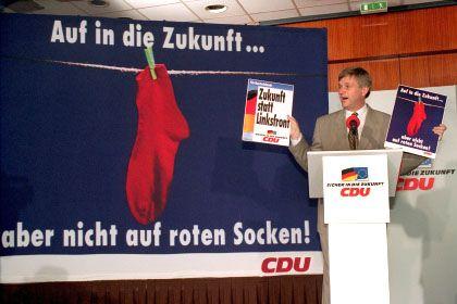 Schatten der Vergangenheit: Union und Wirtschaft warnen heute vor der Linkspartei - wie einst CDU-Generalsekretär Peter Hintze vor der Vorgängerpartei PDS