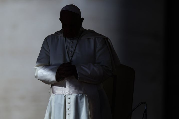 Papst Franziskus: Im Vatikan fehlt es offenbar immer noch an einer effektiven Kontrolle über Investitionen und Ausgaben, zugleich sollen die Einnahmen des Staates, der keine eigenen Steuern erhebt, wohl deutlich spärlicher fließen