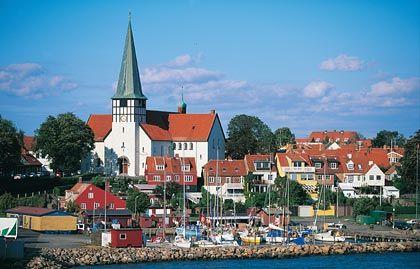 Malerisch: Rønne liegt idyllisch am Wasser und hat immerhin 14. 000 Einwohner