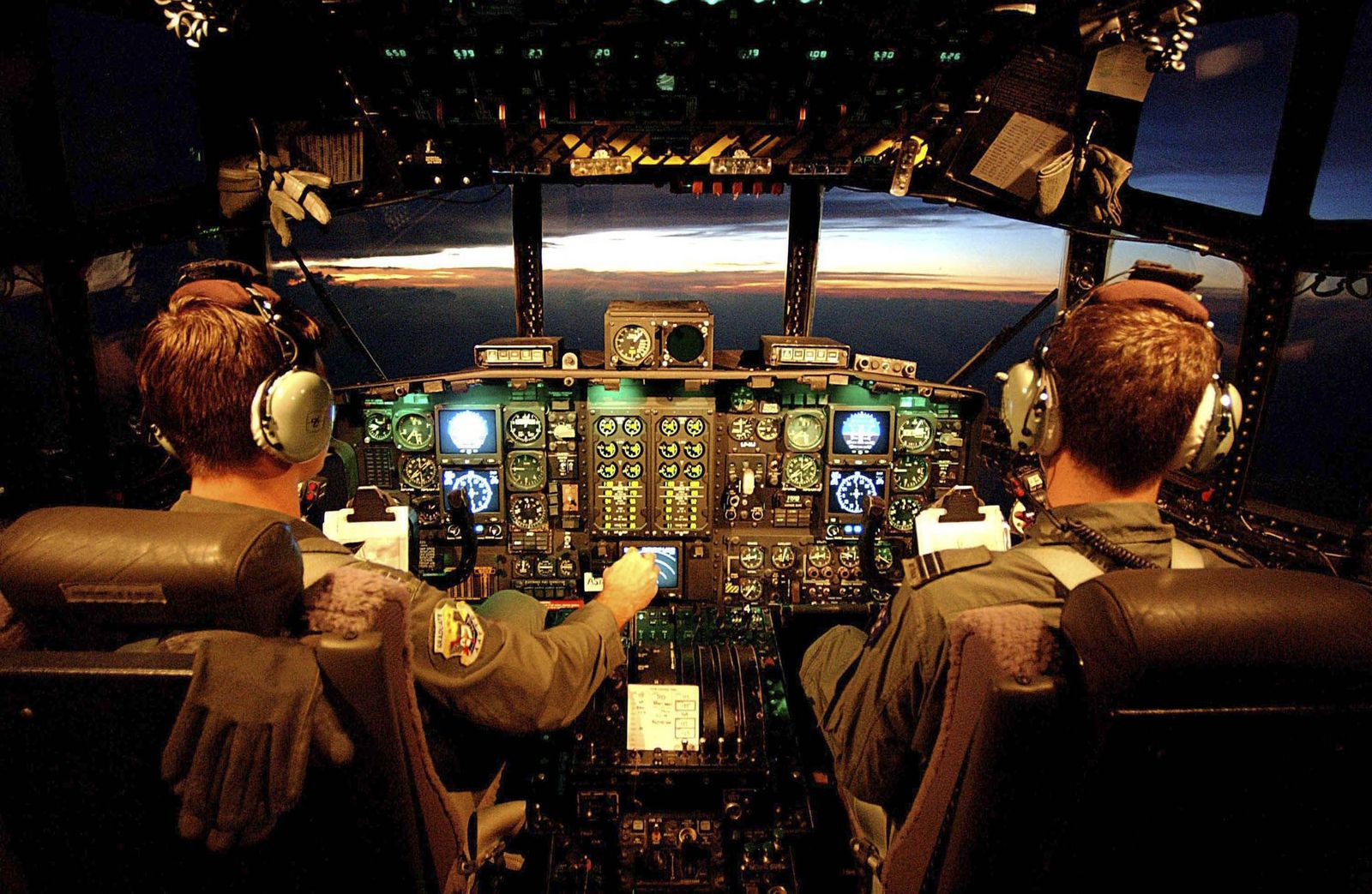 Flugzeug / Pilot im Cockpit