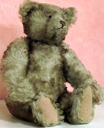 Rekordverdächtig: Der 77 Jahre alte Bär wurde von einer Händlerin aus den USA zum Preis von 156.200 Euro ersteigert
