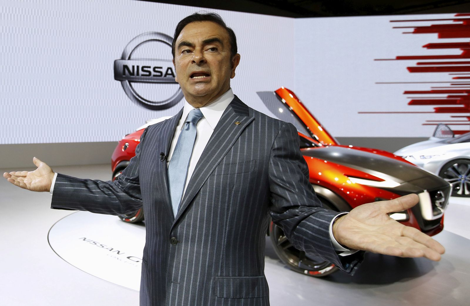 NISSAN-GHOSN/PROBE