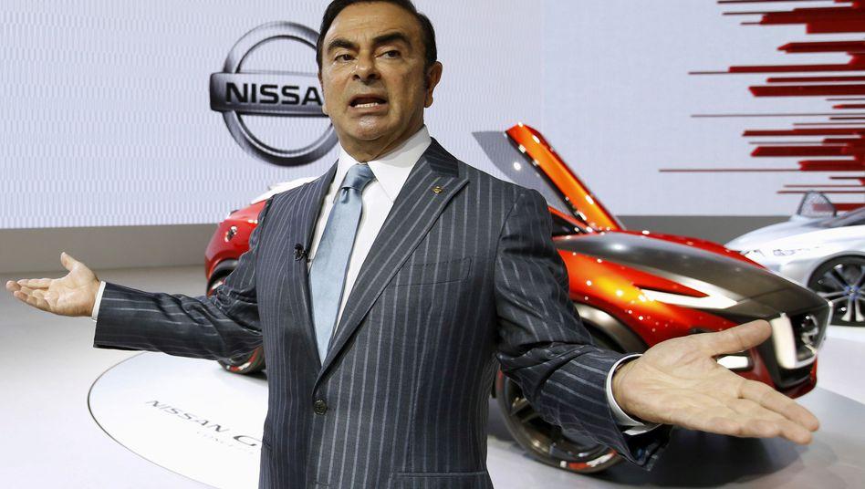 Ein Bild aus besseren Zeiten: Der ehemalige Nissan-Chef Carlos Ghosn (Bild Archiv)