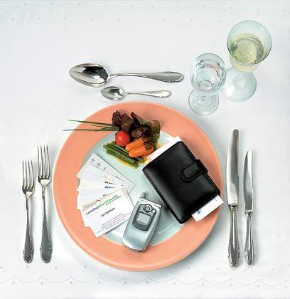 """Geschäftsessen, Bewirtungskosten oder auch die private Nutzung des Geschäftswagens sind """"beliebte Themen"""" der Betriebsprüfer"""