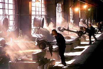 Schwermetall: Arbeiter in einem Stahlwerk der Great Wall Special Steel Group