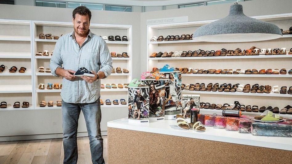 Atmungsaktiv: Birkenstock-CEO Oliver Reichert hat die zwei Firmenerben zu Milliardären gemacht