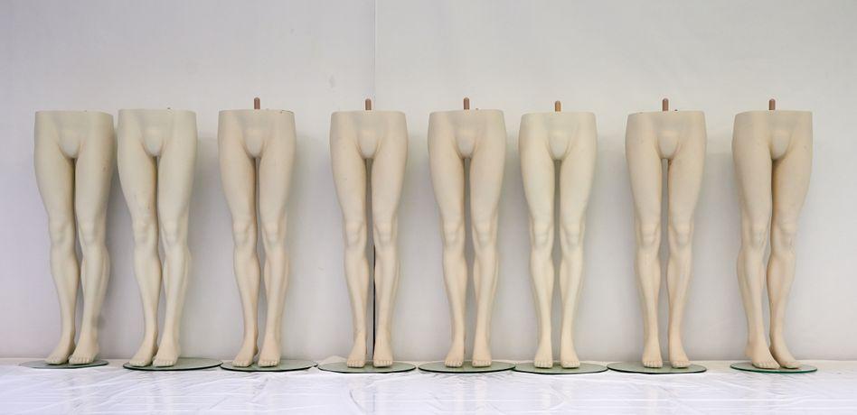 Nackt im doppelten Sinne: Schaufensterpuppen der zahlungsunfähigen SinnLeffers