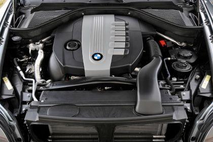 Kraftpaket: Der X6 wartet unter anderem mit potenten Turbo-Benzinmotoren auf, darunter einen 4,4-Liter-V8 mit 407 PS