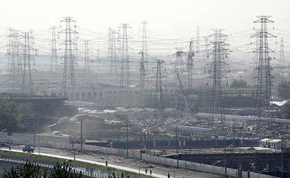 Strom: Zwar fließt er in Deutschland, doch nicht so günstig, wie sich das die Verbraucher wünschen