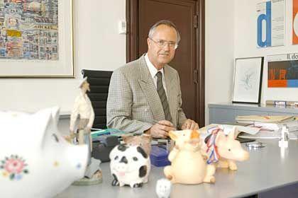Wunderliche Schreibtischordnung: Die individuellen Vorlieben, hier von Hans Eichel, als er noch Finanzminister war, sollten akzeptiert werden