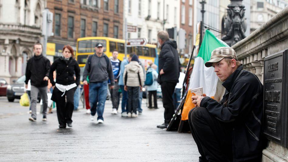 Irland im Schuldensumpf: Nach der Abstufung könnte die Finanzierung an den Kapitalmärkten deutlich teurer werden
