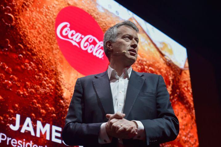 P-Frage: Wie stark sollten sich CEOs in der Politik einbringen? Coca-Cola-Boss James Quincey übt sich in diskreten Manövern.