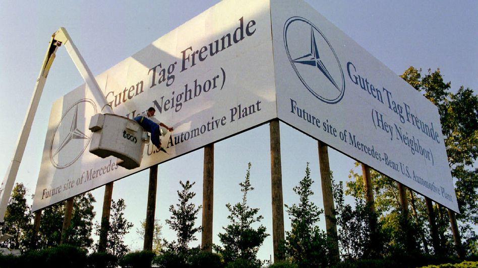 Schild vor Daimlers US-Werk in Tuscaloosa (Alabama): Der Süden der USA zieht zahlreiche Unternehmen an. Nun zieht Mercedes USA auch mit seinem Hauptsitz in die Nähe des Werkes