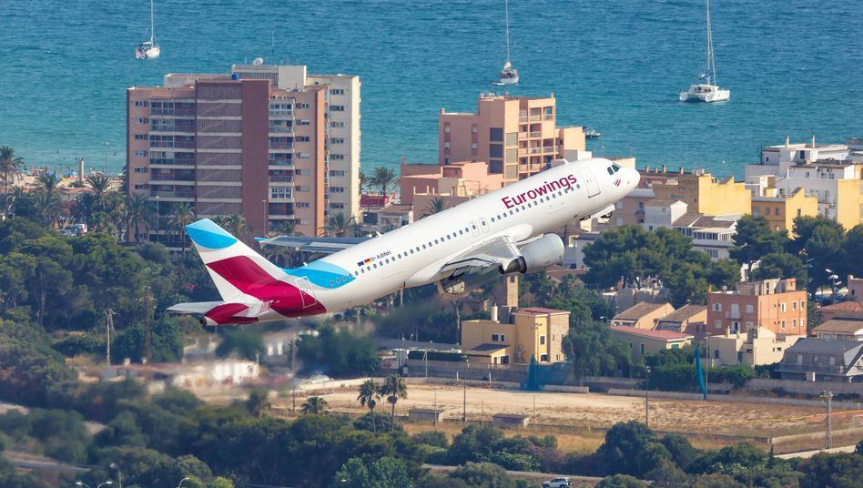 Eurowings-Airbus im Anflug auf Palma de Mallorca: Ab auf die Insel