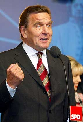 Gerhard Schröder: Der Bundeskanzler bleibt im Amt