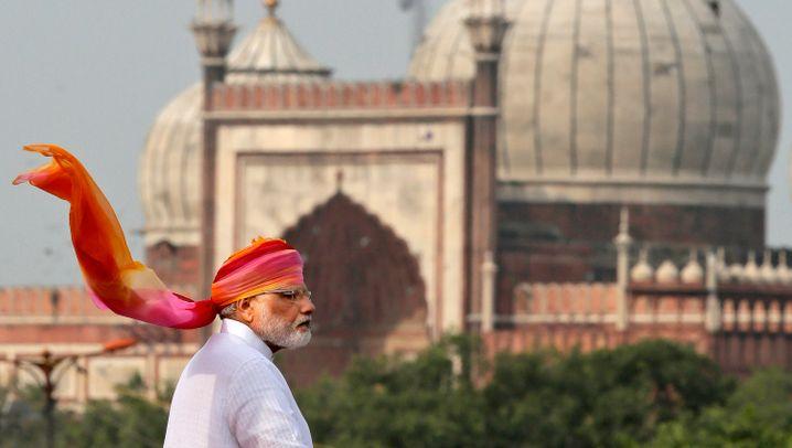 Grundeinkommen für Milliarden: Indiens gewagtes Wirtschaftsexperiment