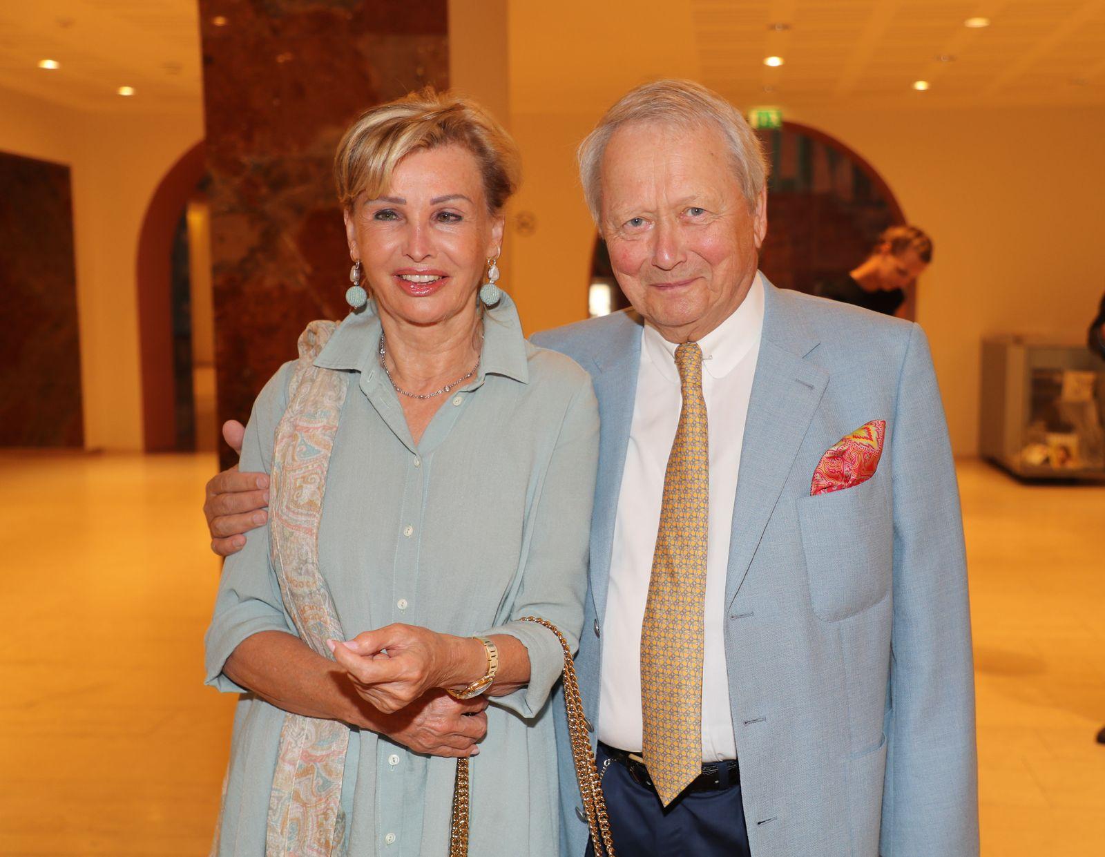 EINMALIGE VERWENDUNG Wolfgang Porsche und Claudia Hübner