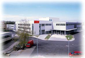 Sichert das Geschäft: Am Standort Bruchsal fertigt SEW eigene Teile für die Steuerelektronik